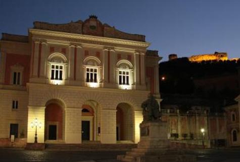 Scompare la stagione lirica del teatro Rendano
